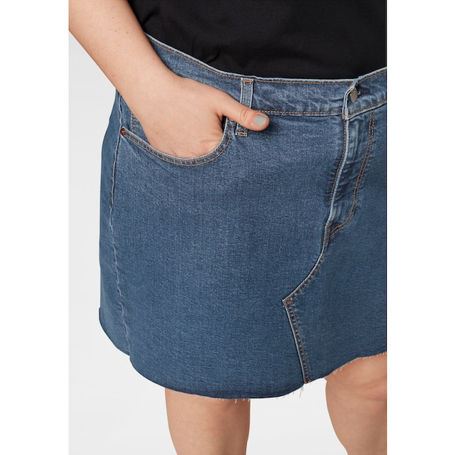 Levi's® Plus Jeansrock »Plus Size Deconstructed Skirt«