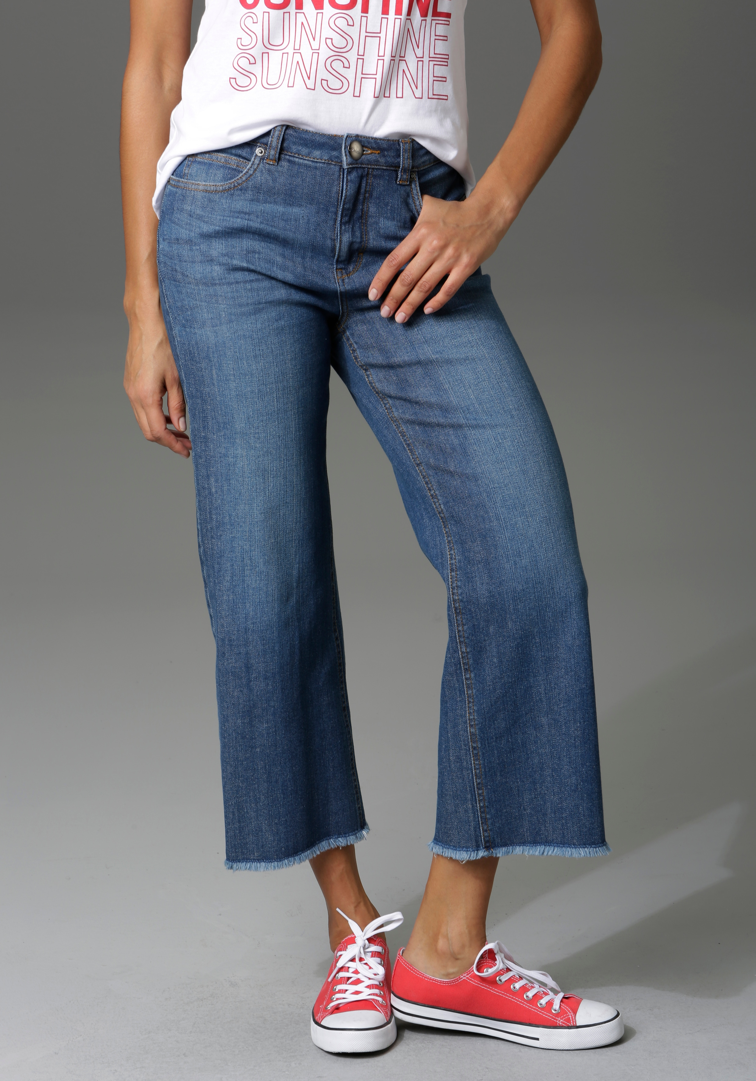Image of Aniston CASUAL 7/8-Jeans, mit leicht ausgefranstem Beinabschluss - NEUE KOLLEKTION